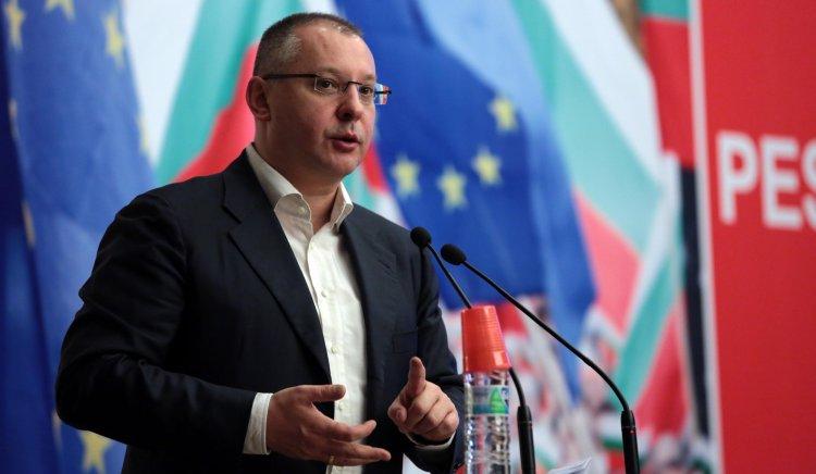 Планът на Станишев за младежта в Европа набира скорост